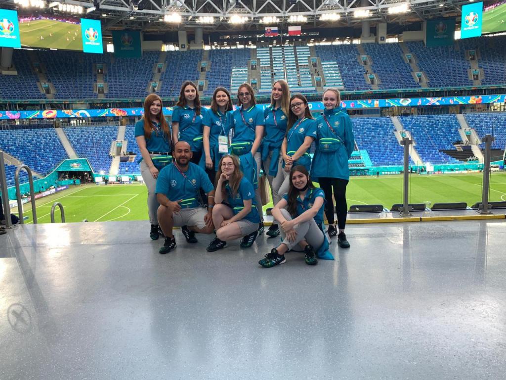Волонтеры Евро-2020
